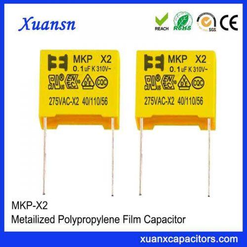 capacitor 105